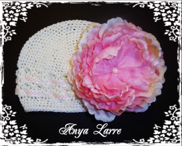 """Luna"" Cream Crochet Ribbon Hat"