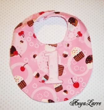 Cupcake Bib